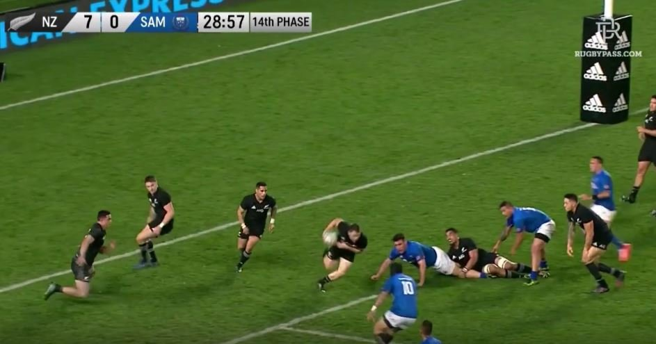 Beauden Barrett finishes off 100m All Black try