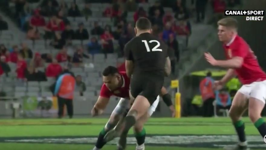 WATCH: Ben Te'o smashes Sonny Bill Williams