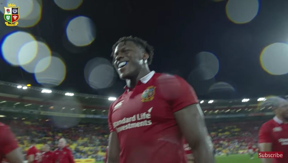 WATCH: Even Alun Wyn Jones is singing 'Oh Maro Itoje' anthem