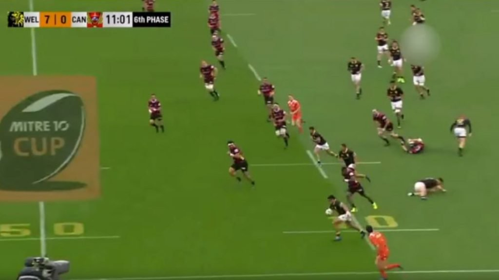 Watch: Wellington hooker leaves Canterbury fullback eating dirt