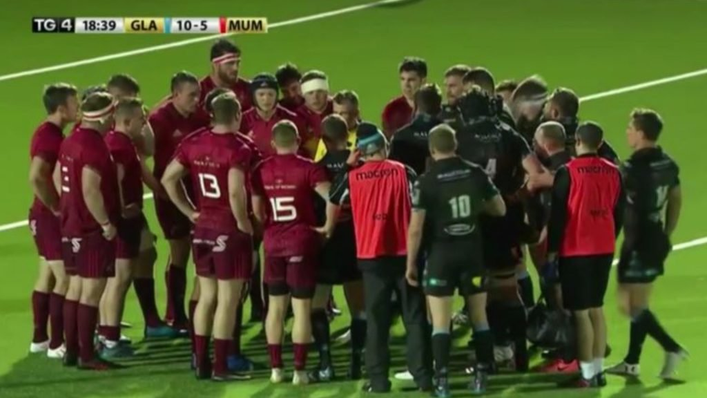 Watch: Nigel Owens was up to his old tricks again last night, calling both sets of players in for a talking-to