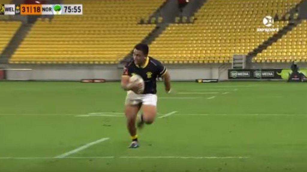 WATCH: Asafo Aumua just smashing people and scoring tries for fun