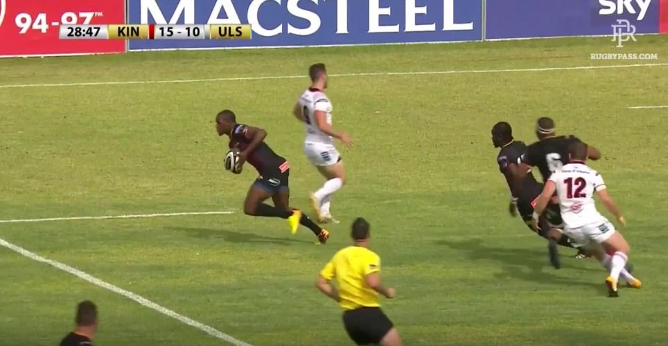 Michael Makase shows Piutau the meaning of speed on Kings debut
