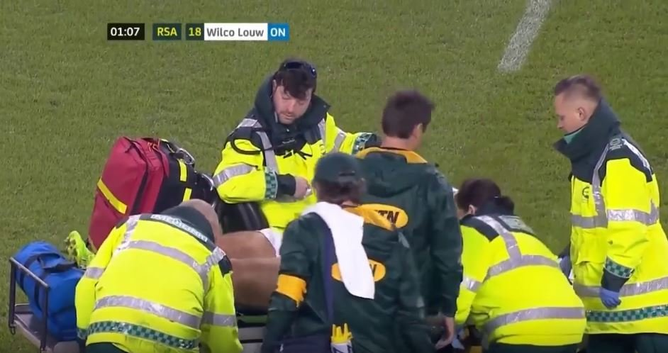 Medic does THIS after Coenie Oosthuizen tears his ACL and MCL