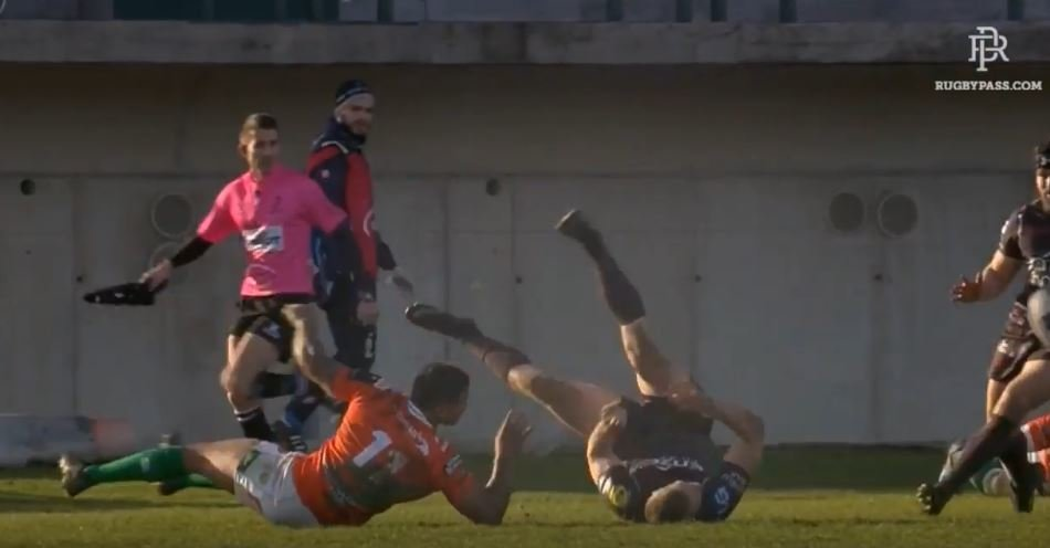 WATCH: Johnny McNicoll's impossible offload vs Treviso