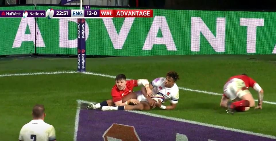 SHOCK: Replay clearly shows Wales did score disallowed try