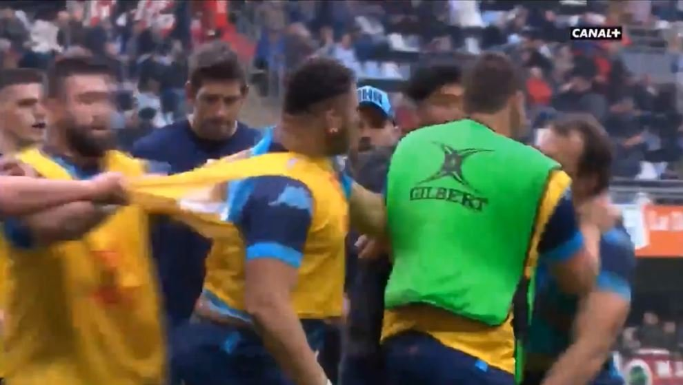 FOOTAGE: Bismarck du Plessis has punch-up with teammate in warm-up