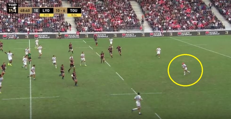 FOOTAGE: Cheslin Kolbe cuts Lyon in half with 60 metre break to set up Yoann Huget