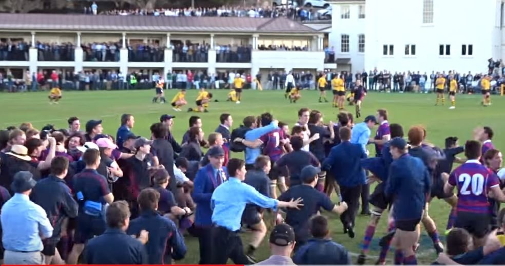 FOOTAGE: Dramatic last minute try in Australian schoolboy match leads to pitch invasion
