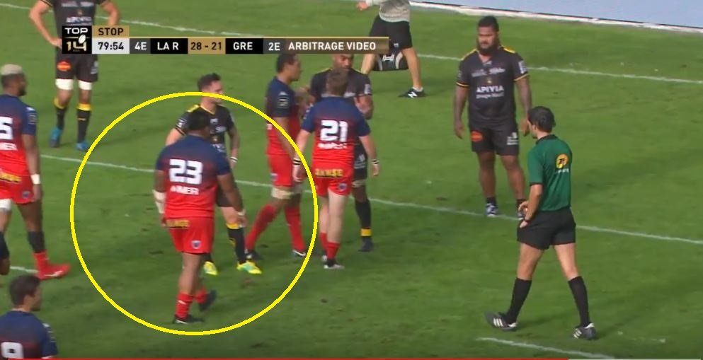 FOOTAGE: 133kg Tongan prop has simple but brilliant plan to stop red card decision