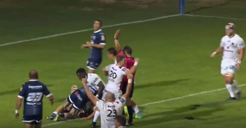 Giant French prop Vincent Debaty's sublime support allows stunning offload