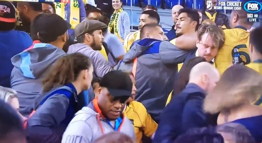 FOOTAGE: Police involved as Wallabies players scuffle with fans in stadium after match