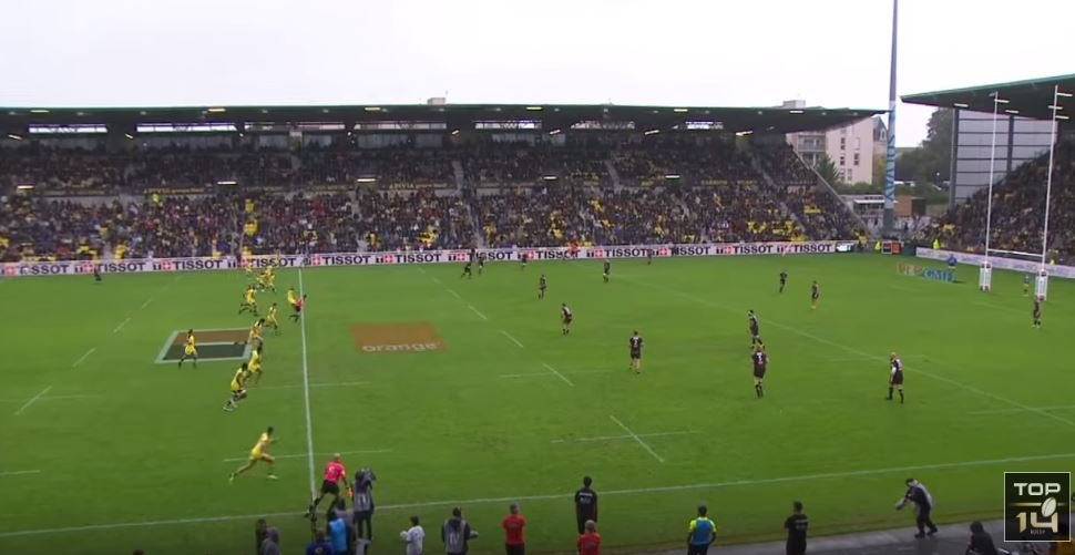 VIDEO: Clermont score off re-start in just 8 seconds thanks to La Rochelle's coach-killer mistake