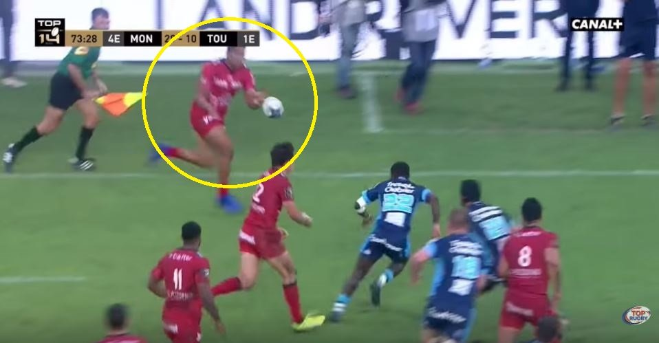 FOOTAGE: Julian Savea shows his subtle side to set up Toulon try