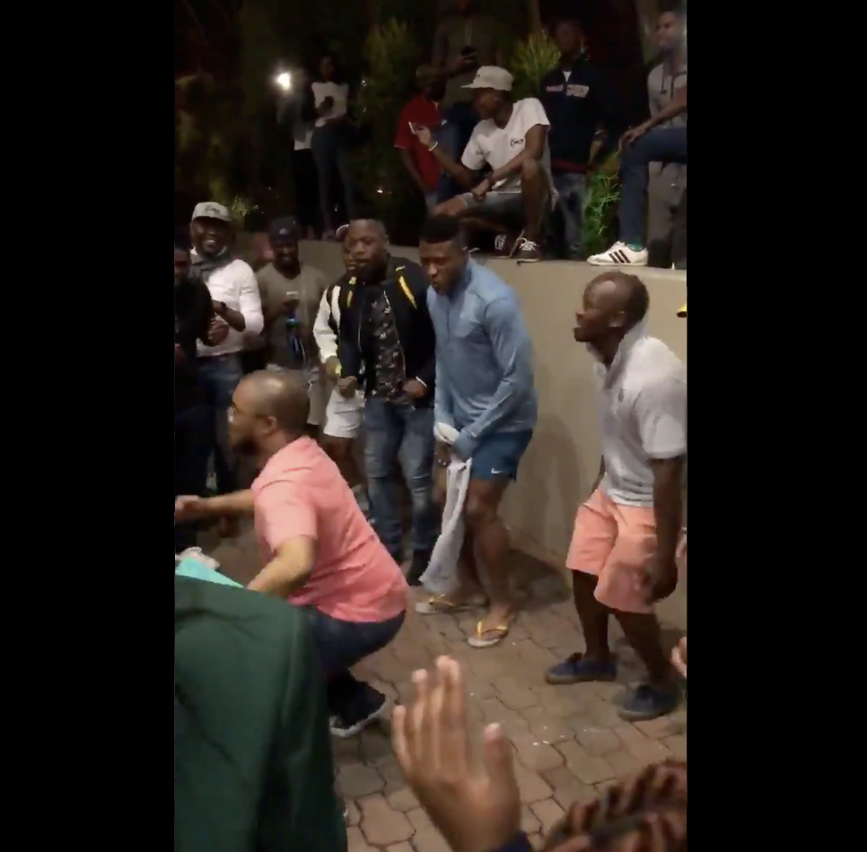 WATCH: Springbok players sing and dance with fans outside hotel on eve of New Zealand test.