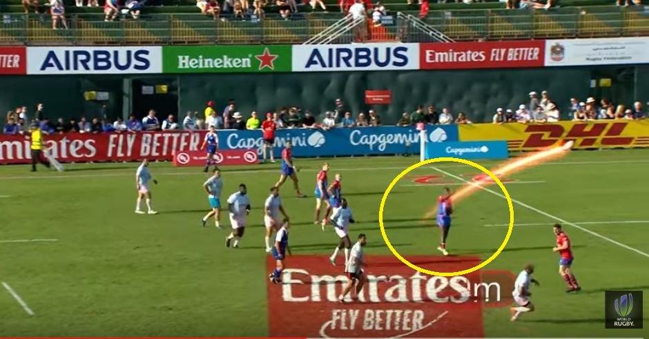 VIDEO: Fijian legend Sireli Bobo throws a mythical 'Fire Pass' an incredible distance in Dubai