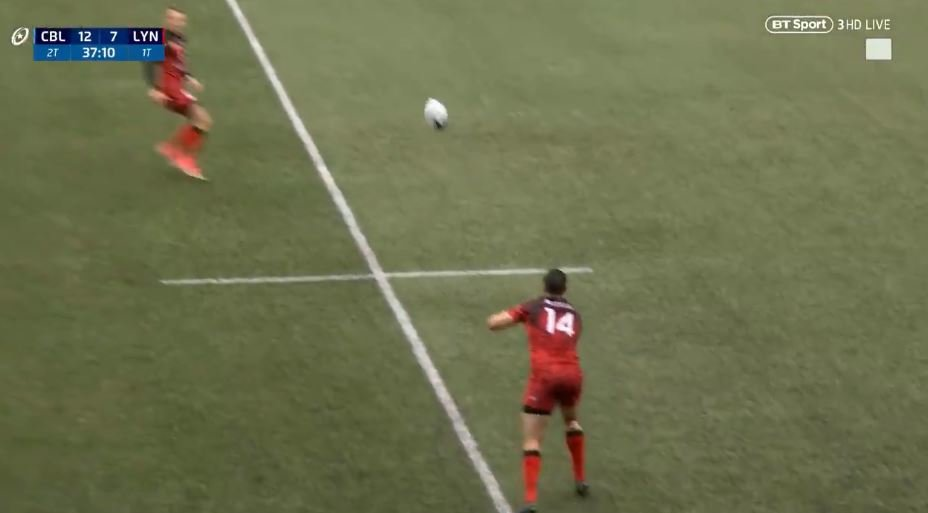 FOOTAGE: 6'2, 100kg Lyon winger hits afterburners versus Cardiff