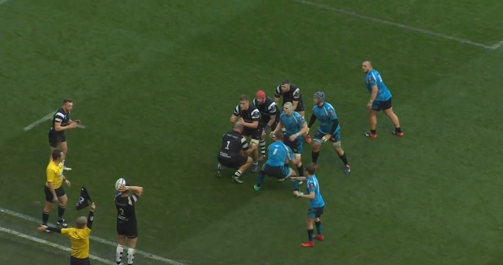 FOOTAGE: Bristol's Uren 'ins and outs' player 4 times in 80 metre try