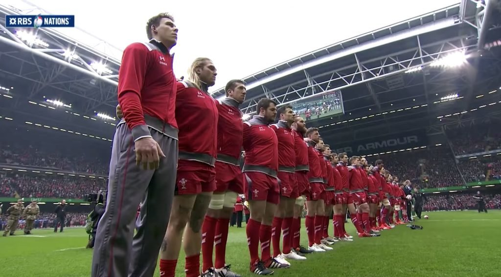 GOOSEBUMPS: Ear-shattering Welsh anthem the last time Ireland played with roof open