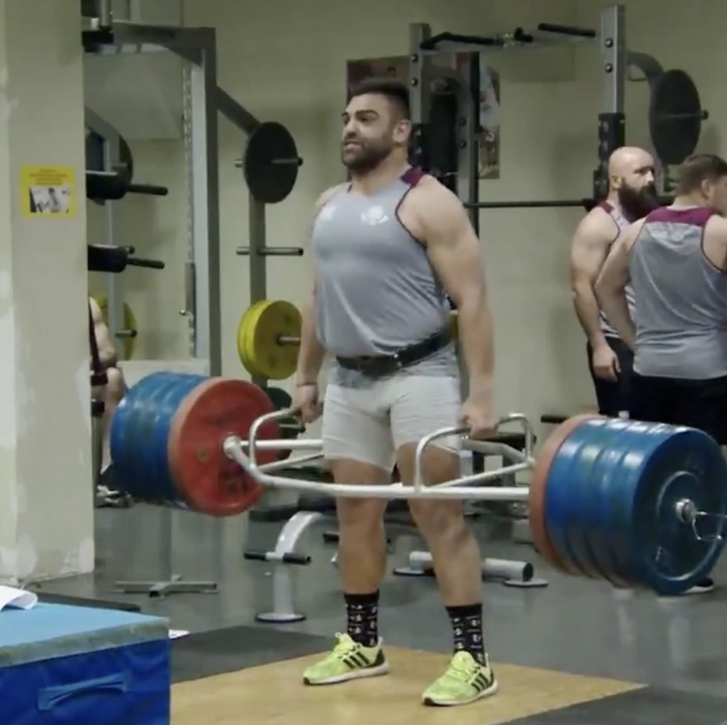 WATCH: Georgians lift RIDICULOUS amounts in their barbarian gym session