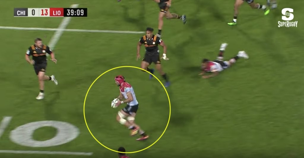WATCH: Warren Whiteley proves he is still South Africa's Messiah with outrageous skill that no forward should be able to use