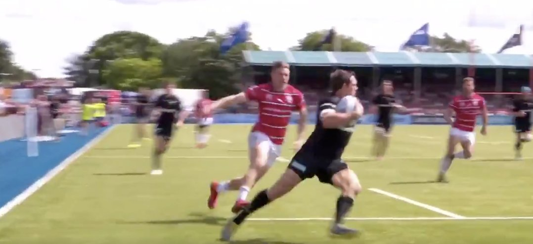 WATCH: Alex Goode somehow gets himself out of impossible position on his own try line