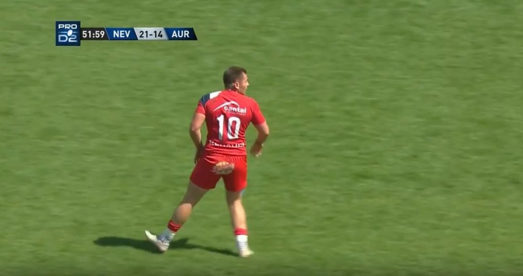 FOOTAGE: Video of the 'New Wilkinson' kicking 4 drogoals in one match is tearing the internet apart