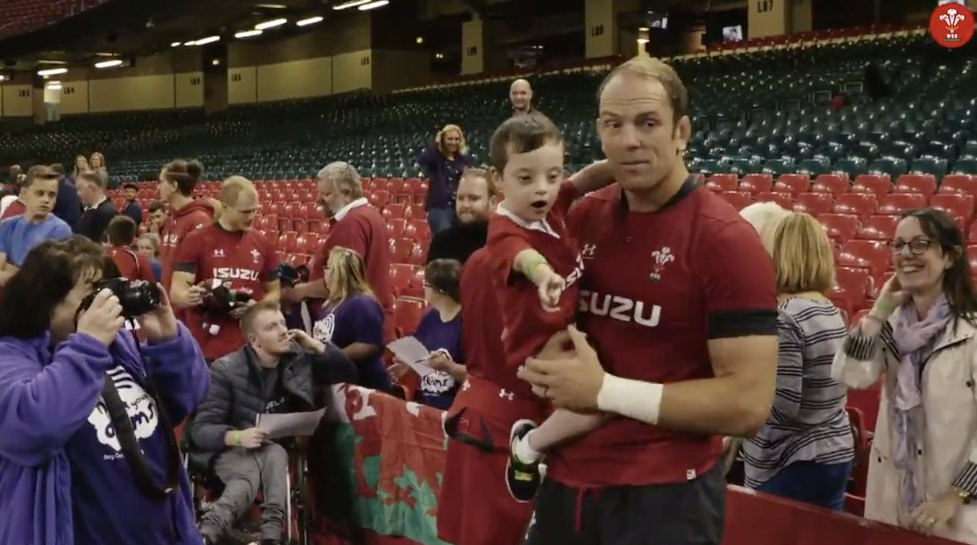 This clip is proof that Alun Wyn Jones is the nicest man in rugby