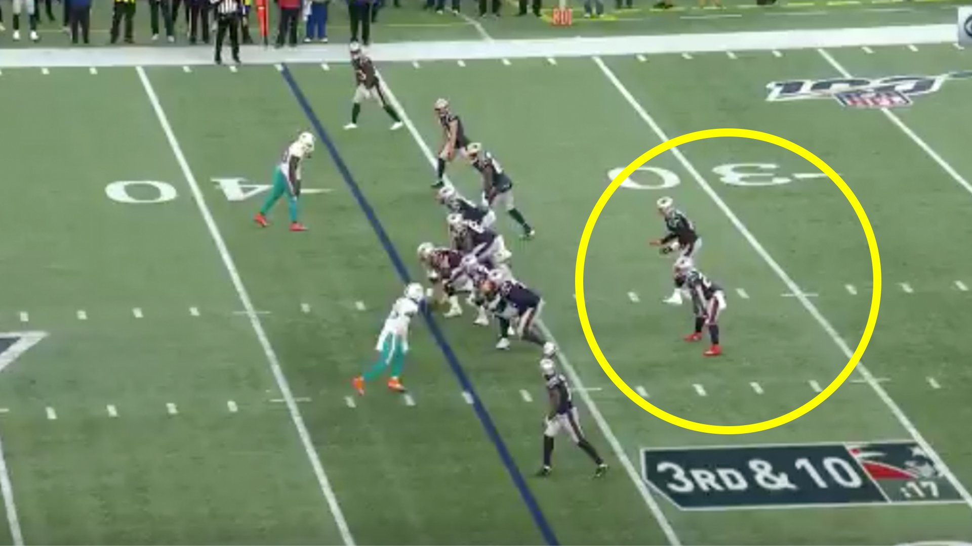 This is why NFL players don't pass like they do in rugby