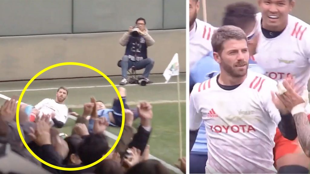 Former Springbok flyer Willie le Roux is doing INSANE things in Japan
