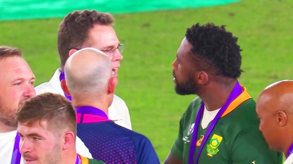 No one noticed this altercation between Rassie Erasmus and Siya Kolisi after the World Cup final medal ceremony