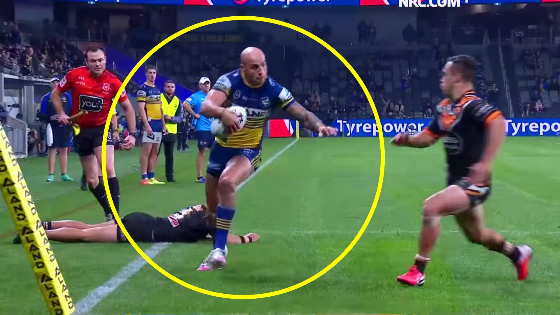 People are refusing to believe a rugby player would try this when scoring a try